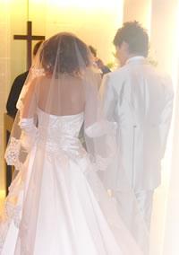 ベルタ酵素でマイナス6キロの酵素ダイエットに成功した八木夫妻の結婚式の様子